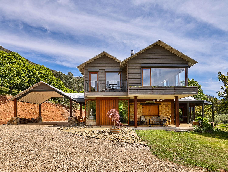Bright Alpine Builders: Upper Buckland Valley (Victoria) home